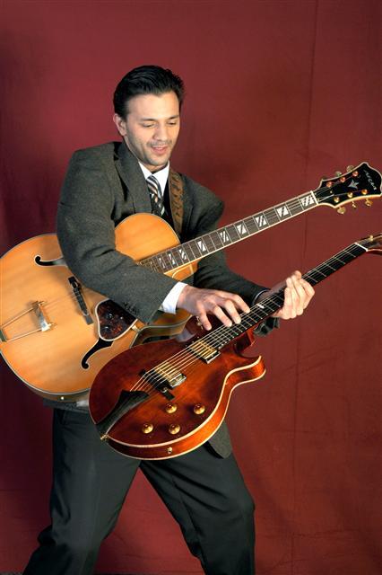 Janko Lauenberger - Gitarre (Sinti-Swng-Berlin)